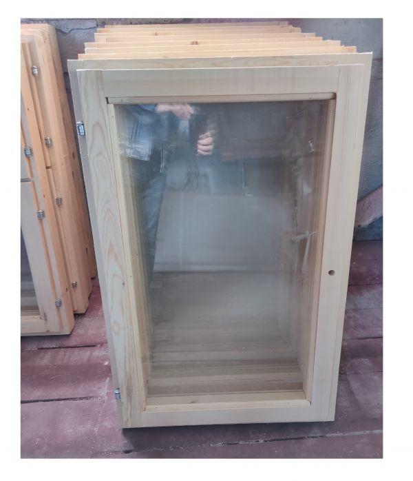 Деревянное окно одностворчатое